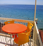 Reserve a Kibar apart holiday accommodation Kusadasi Turkey, at the wonderful south Aegean coast. All 6 apartments have 2 rooms with 1 double bed each, capable for 4 persons, with sea view, balcony, kitchen block, fridge, shower bath with wc, hairdryer, satellite-tv, air conditioning.